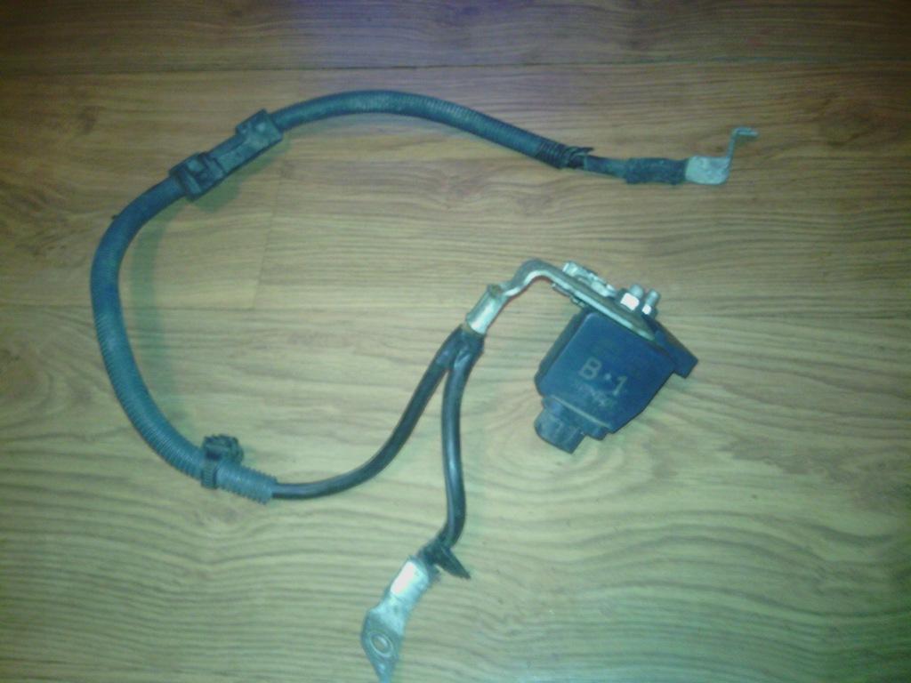 COROLLA E16 przewod kabel klema plusowa pirotechni