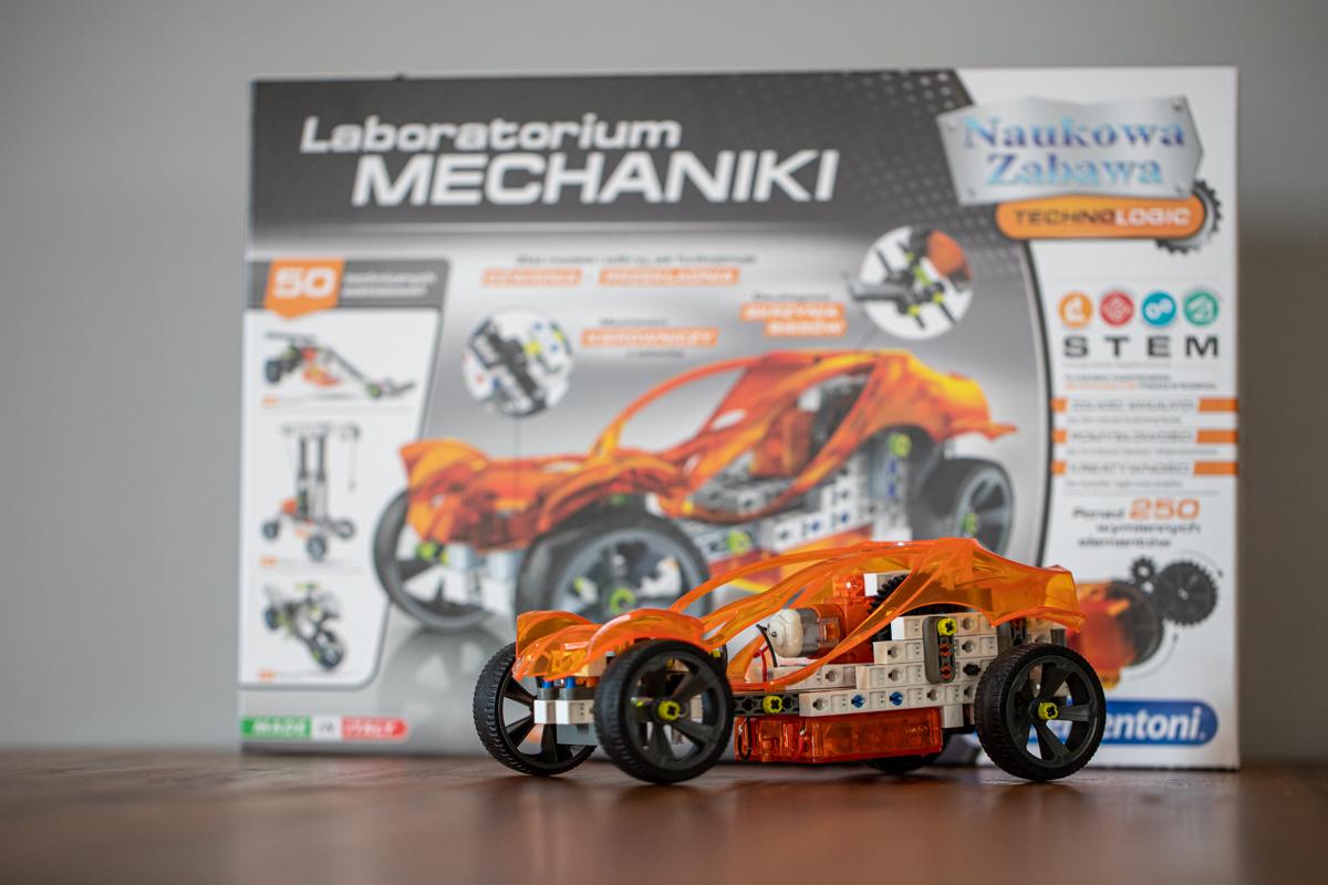 Automobil z laboratória Clementoni Laboratorium Mechaniki