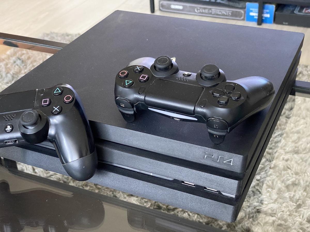 Playstation 4 Pro Czy Playstation 4 Slim Ktora Konsole Wybrac Allegro Pl