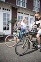 Fotelik rowerowy BOBIKE ONE Mini niebieski + SZYBA Cechy dodatkowe paski zabezpieczające nogi regulacja podnóżka system szybkiego montażu trzypunktowe pasy bezpieczeństwa osłona wodoodprone siedzenie