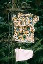 Zestaw dla dziewczynki szorty bluzka kwiaty 120 Płeć Dziewczynki