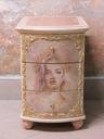 Komoda z szufladami antyczne malatury Jej portret