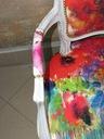 fotel ludwik w bieli z kolorową teksturą Głębokość produktu 52 cm