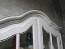 Malowana Witryna prowansja w bieli shabby chic Wysokość mebla 210 cm