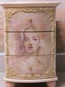 Komoda z szufladami antyczne malatury Jej portret Szerokość mebla 40 cm