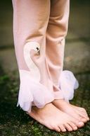 Dres dla dziewczynki różowy łabędź 110