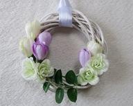 Wiosenny wianek wiklinowy ozdoba kwiat
