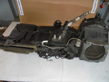 корпус обогревателя lincoln navigator 5.4 v8 2004 - фото