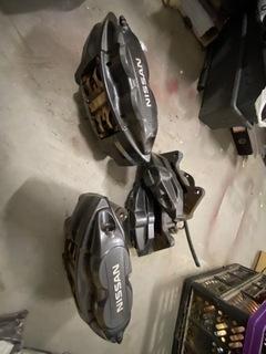 тормоза akebono brembo nissan 370z - фото