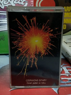 CZERWONE GITARY - DZIEŃ JEDEN W ROKU - MC доставка товаров из Польши и Allegro на русском