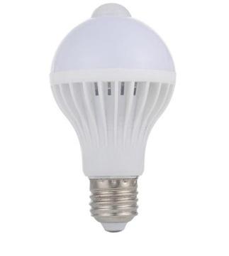 Żarówka LED E27 7W z czujnikiem ruchu i zmierzchu доставка товаров из Польши и Allegro на русском