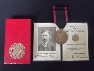 Медаль Независимости, удостоверение личности, коробка, набор  доставка товаров из Польши и Allegro на русском