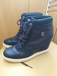 Sneakersy Tommy Hilfiger camo metallic dress navy  доставка товаров из Польши и Allegro на русском