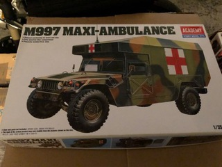 Model Hummer Maxi - Ambulance - Academy 1:35 доставка товаров из Польши и Allegro на русском