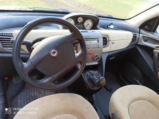 Lancia Ypsilon deska rozdzielcza
