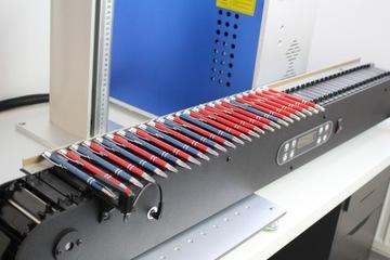 Laserové vlákno 20W mop pohybové pohyby farby na kov