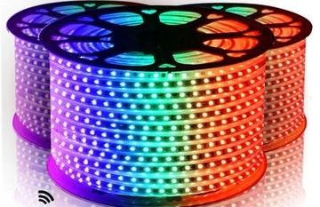 HADICOVÁ RGB LED PÁSKA 230V BEZ NAPÁJANIA 5050 16 farieb