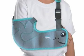 Pediatrický (pediatrický dieťať) na ruke sadry