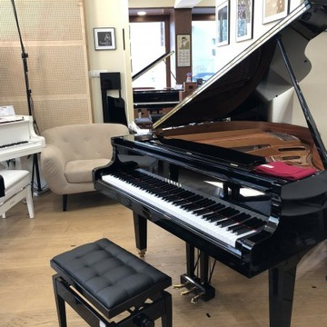 YAMAHA GA1 - Kabinet Piano vyrobené v Japonsku