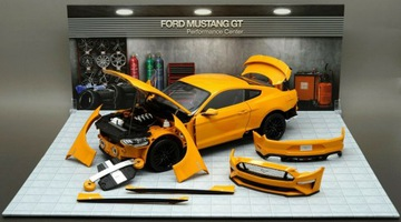Ford Mustang GT 5.0 Kupé Diecst Masters 1:18
