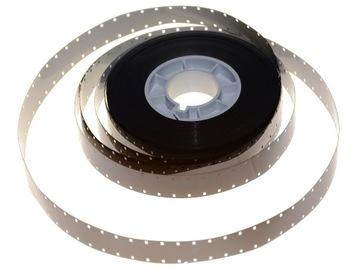 Volanie čiernobielej fólie z kamery 16 mm BW