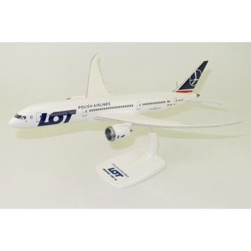 Model Boeing 787-9 LOT Poľská letecké spoločnosti.