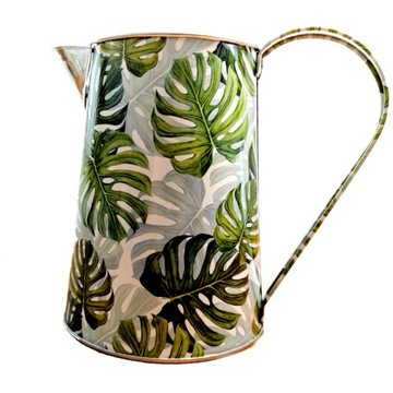 Kovová kanvica, váza, zavlažovanie môže
