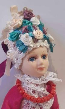 Porcelánová bábika v národnom kroji - 21 cm