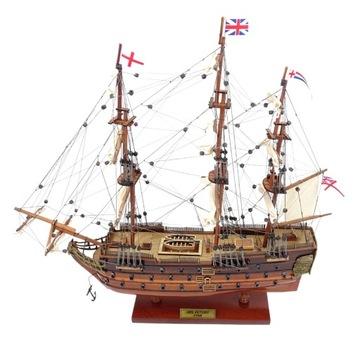 Plachetnica loď HMS víťazstvo