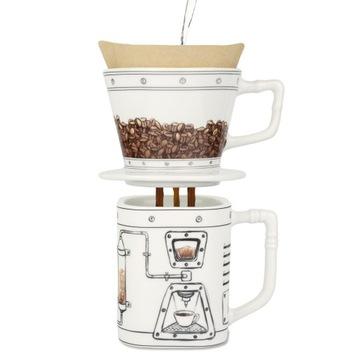Kávovar Coffeemageddon a hrnček na kávu