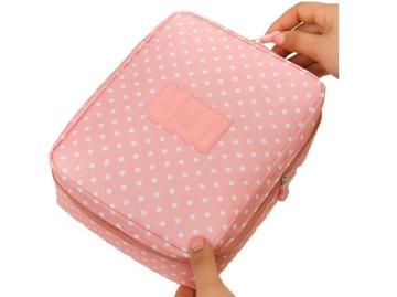 L02 ružové kozmetiky ženy cestujúce
