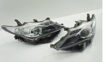 Toyota auris 2 12-15 фонаря левая+ права переднее 89907727/, фото