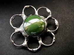 Зеленая переливающаяся брошь в стиле Тиффани от GepArd