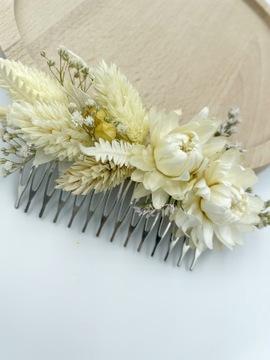 Grzebyk do włosów z suszonych kwiatów