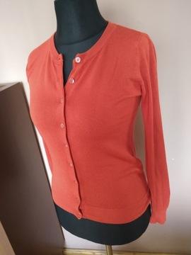 Sweter Reserved ceglasty zapinany na guziki