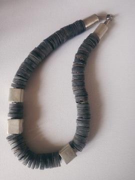 Ожерелье из серых ракушек 925