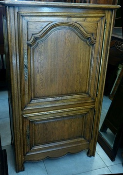 Красивый дубовый шкаф, бельевой шкаф - магазин Dąbrowa G