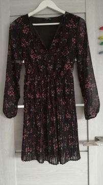 Sukienka Reserved xs czarna w kwiaty plisy