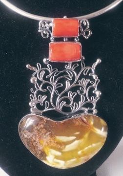 Подвеска из кораллового янтаря из серебра 925 пробы