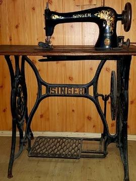 Швейная машина Singer со столом 1933 г.