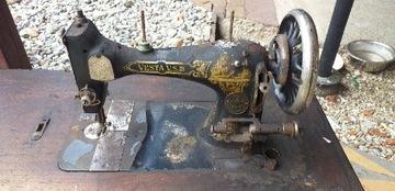 Старая швейная машина Веста