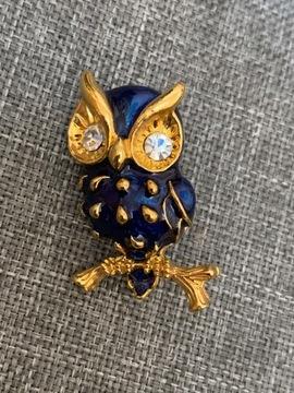 Милая позолоченная брошь сова