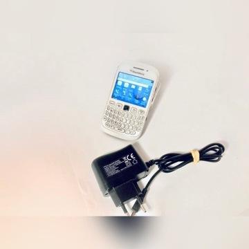 BlackBerry 9320 Curve, biały + ładowarka