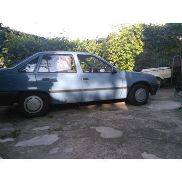 Opel kadett 1,6cm 1986r gaznikowy