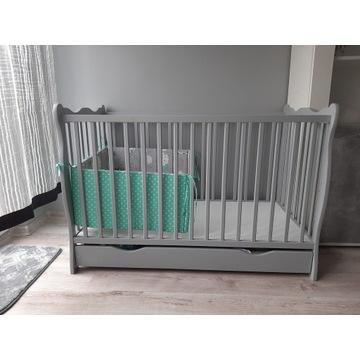 Łóżeczko dziecięce drewniane