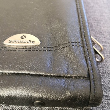 Pokrowiec etui na laptopa SAMSONITE skórzany