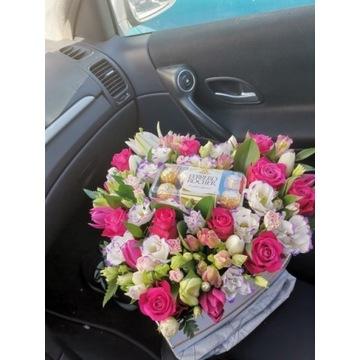 Flowerbox z cukierkami. Kwiaty w pudełku