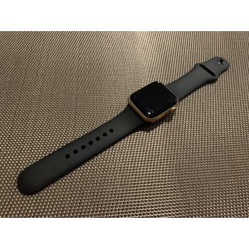 APPLE Watch series 4 40mm Gold Aluminum Pink
