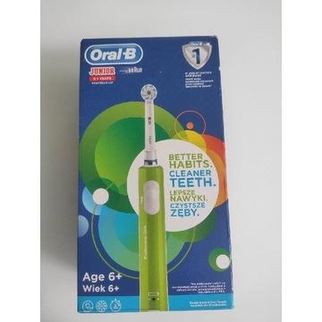 Szczoteczka elektryczna Oral-B D16 Junior