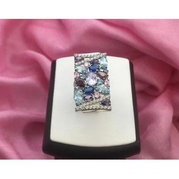 Nowy srebrny pierścionek z metką z cyrkoniami
